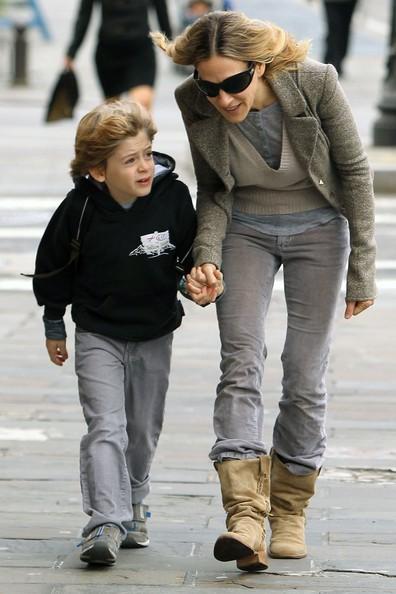 Sarah Jessica Parker e il figlio si dirigono a scuola a piedi nel Greenwich Village