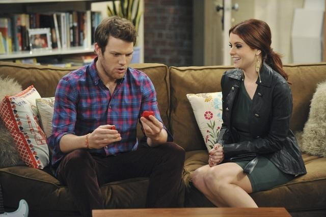 Jake Lacy e Joanna Garcia in Better With You  nell'episodio Better With Halloween