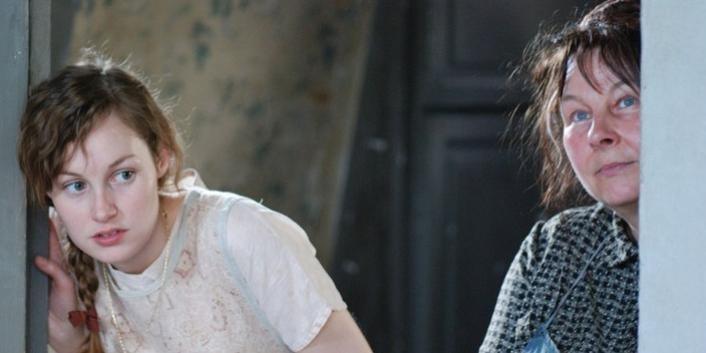 Adélaïde Leroux e Yolande Moreau nel film Séraphine