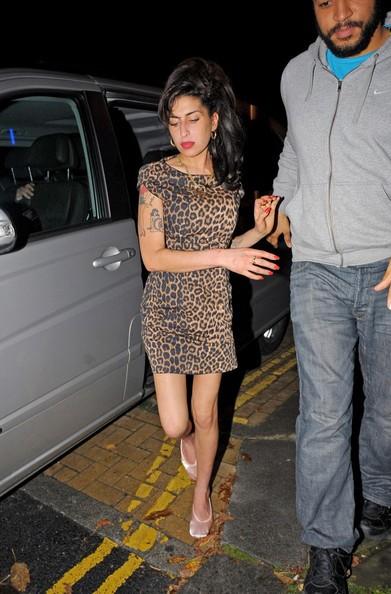 Amy Winehouse esce dal Burlesque Club