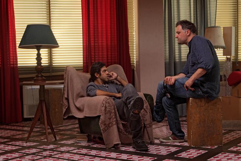 Pierfrancesco Favino con il regista Lucio Pellegrini sul set del film Figli delle stelle