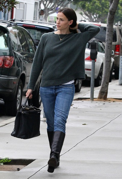 Jennifer Garner fa un po' di shopping in Santa Monica