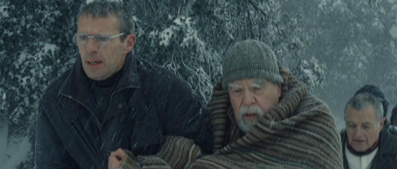 Lambert Wilson e Michael Lonsdale in una scena del film Des hommes et des dieux