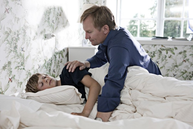Ulrich Thomsen in una scena del film In a Better World (Hævnen)