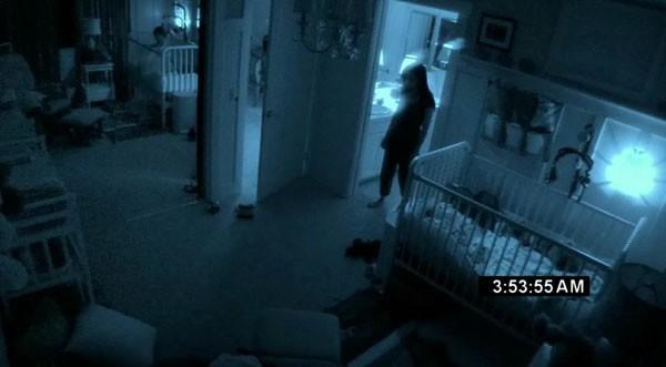 Una sequenza notturna del film Paranormal Activity 2