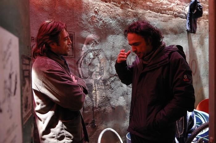 Javier Bardem sul set di Biutiful con il regista Inarritu