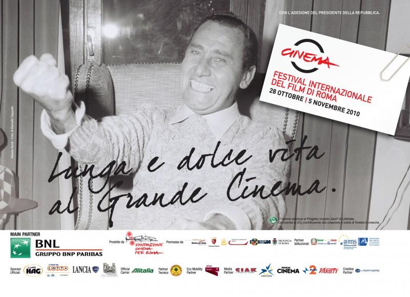 Alberto Sordi in una delle belle immagini promozionali per il Festival di Roma 2010