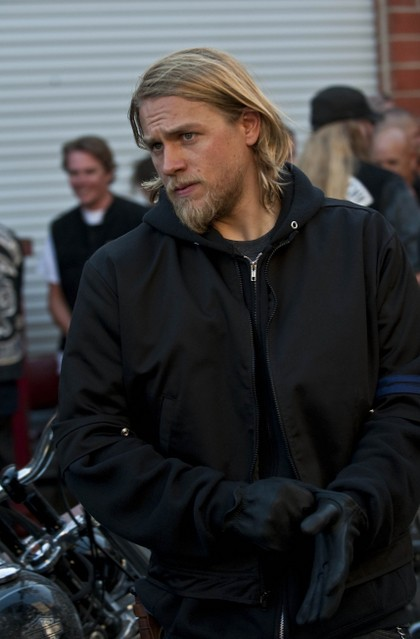 Charlie Hunnam in Sons of Anarchy nell'episodio Lochan Mor