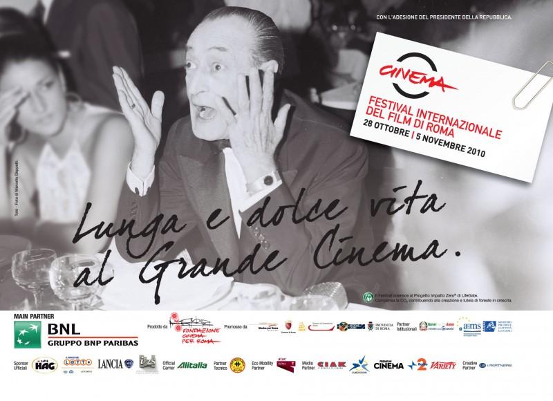 Il grande Totò in una delle belle immagini promozionali per il Festival di Roma 2010