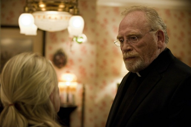 James Cosmo in Sons of Anarchy nell'episodio Widening Grye