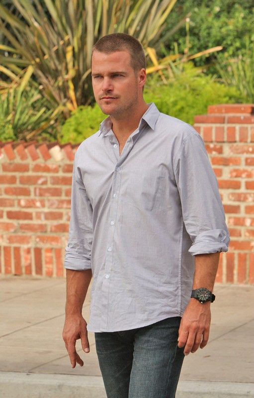 Chris O'Donnell in una scena dell'episodio Standoff di NCIS: Los Angeles