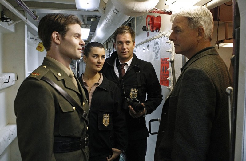 Cote de Pablo, Michael Weatherly e Mark Harmon in: Royals and Loyals di NCIS - Unità anticrimine