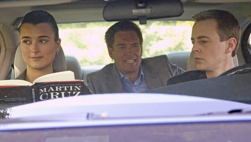 Cote de Pablo, Michael Weatherly e Sean Murray nell'episodio Dead Air di NCIS - Unità anticrimine