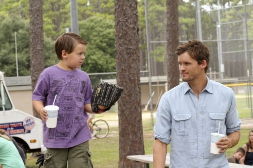 Jackson Brundage e Austin Nichols nell'episodio I Can't See You, But I Know You're There di One Tree Hill