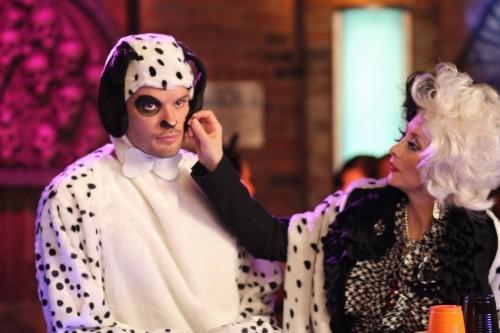 Julian (Austin Nichols) e Sylvia (Sharon Lawrence) nell'episodio Not Afraid di One Tree Hill