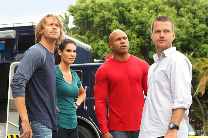 La squadra in una scena dell'episodio Standoff di NCIS: Los Angeles