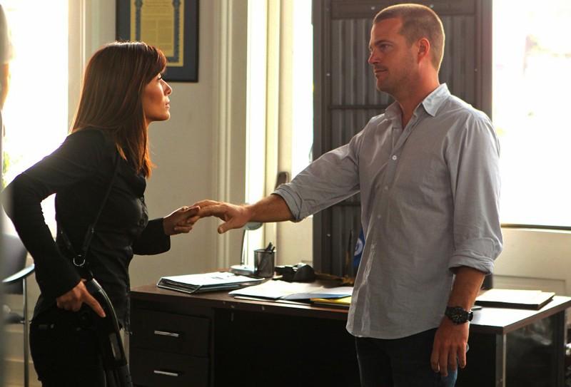 Marisol Nichols e Chris O'Donnell nell'episodio Standoff di NCIS: Los Angeles