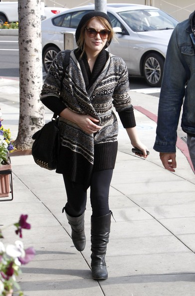 Hilary Duff e Nick Zano a far la spese e poi a pranzo al Cafe Med in West Hollywood
