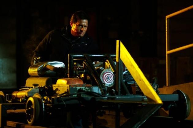 Costas Mandylor con una nuova macchina infernale nel film Saw 3D