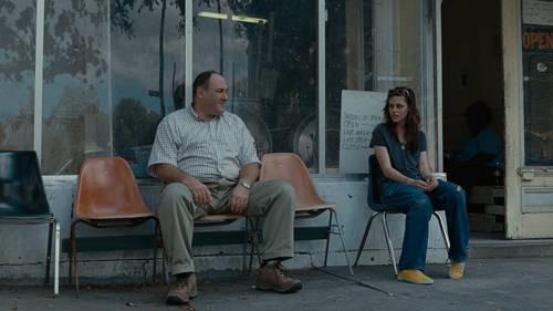 Kristen Stewart e James Gandolfini in una scena del film Welcome to the Rileys