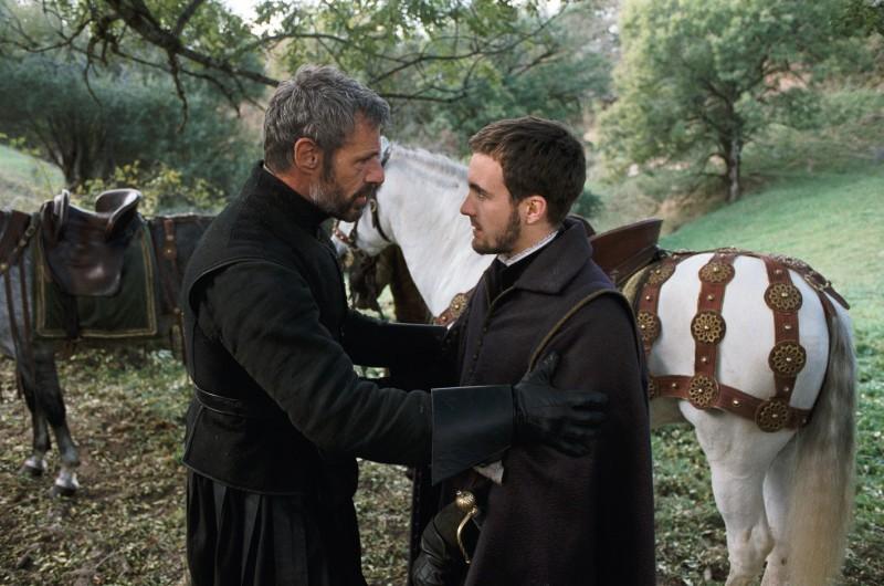 Lambert Wilson con Grégoire Leprince-Ringuet in una scnea del film La princesse de Montpensier