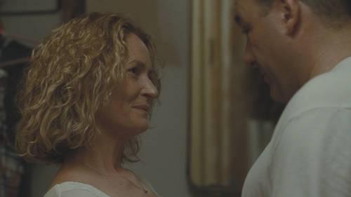 Melissa Leo e James Gandolfini in una scena del film Welcome to the Rileys