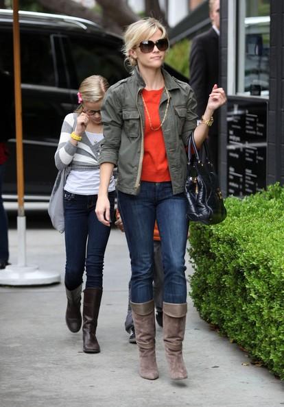 Reese Witherspoon ei suoi due figli per la festa di compleanno di Deacon a Westwood