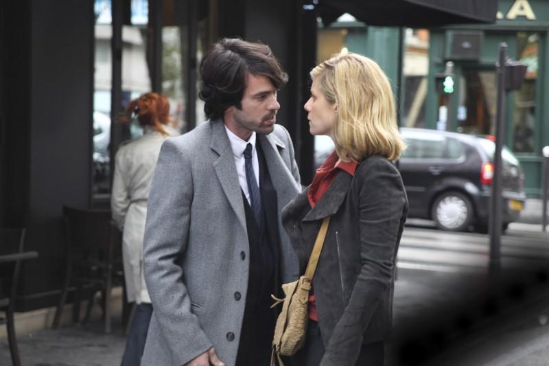 Romain Duris con Marina Foïs in una scena del film L'Homme qui voulait vivre sa vie