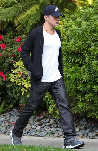 Ryan Phillippe lascia il figlio Deacon alla festa di compleanno a Westwood