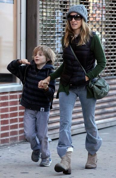 Sarah Jessica Parker passeggia con il figlio