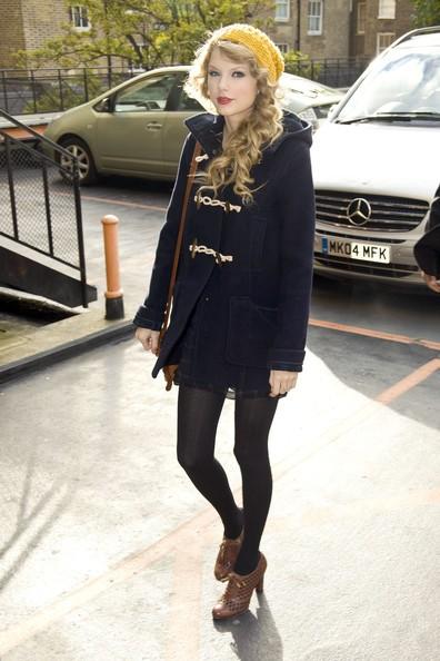 Taylor Swift lascia il suo albergo di Londra