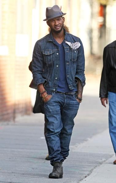 Usher passeggia nel Meatpacking District di Manhattan