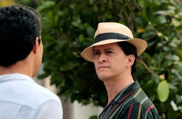 Clifton Collins Jr. nell'episodio Loyalty di The Event