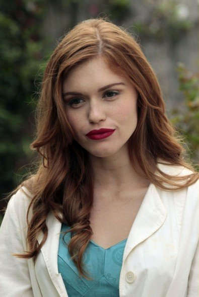 Holland Roden nell'episodio Loyalty di The Event