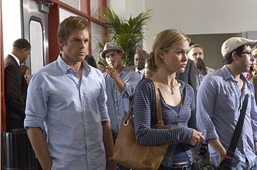 Michael C. Hall e Julia Stiles in una scena dell'episodio First Blood di 'Dexter'