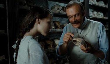 Una scena del film Poll, del 2010
