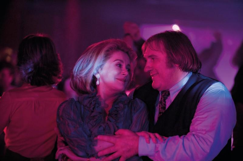 Due straordinari Catherine Deneuve e Gerard Depardieu nel film Potiche