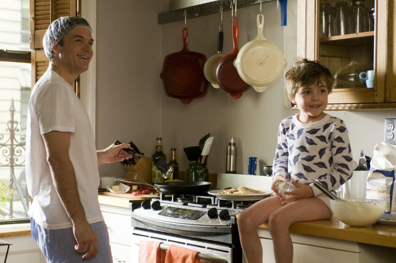 Jason Bateman, papà per caso nella commedia Due cuori e una provetta
