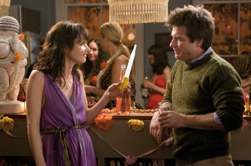 Juliette Lewis con Jason Bateman nella commedia Due cuori e una provetta