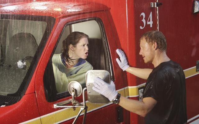Kevin McKidd e Sarah Drew inGrey's Anatomy nell'episodio That's Me Trying