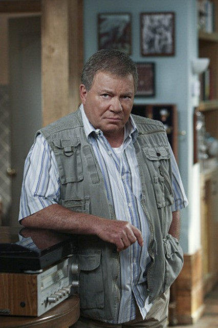 William Shatner in $#*! My Dad Says nell'episodio Easy, Writer