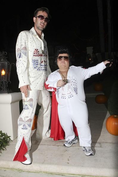 David Arquette ad un party di Halloween insieme ad un 'piccolo' sosia di Elvis.