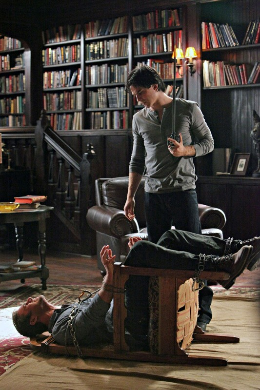 Ian Somerhalder affronta Taylor Kinney nell'episodio Plan B di Vampire Diaries