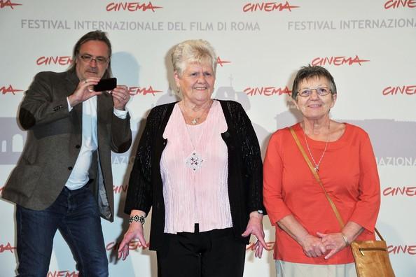 Roma 2010, Nigel Cole presenta We Want Sex con due delle vere ex-scioperanti dello stabilimento Ford a Daganham: Eilieen Pullen e Sheila Douglass.