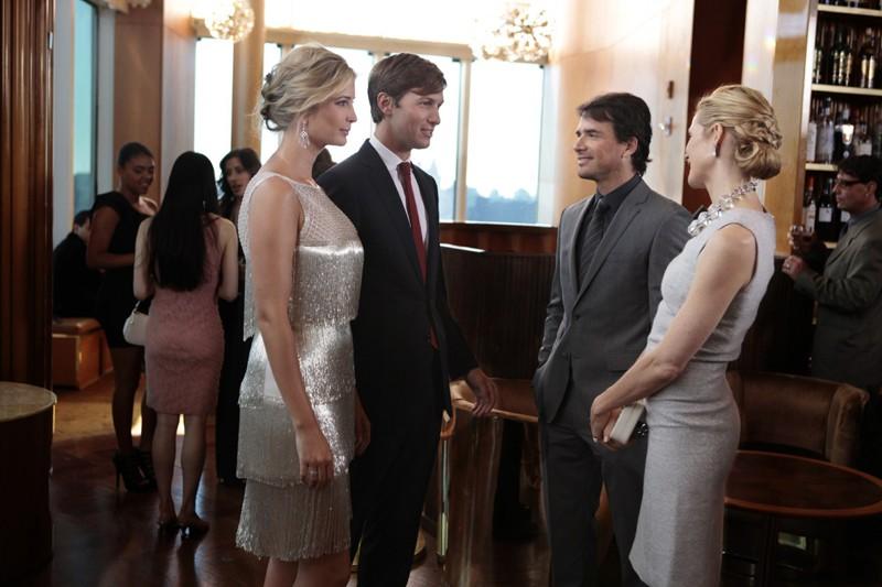 Ivanka Trump, Jared Kushner, Matthew Settle e Kelly Rutherford nell'episodio Easy J di Gossip Girl