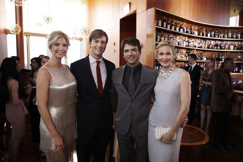 Ivanka Trump, Jared Kushner, Matthew Settle e Kelly Rutherford posano assieme per la serie Gossip Girl