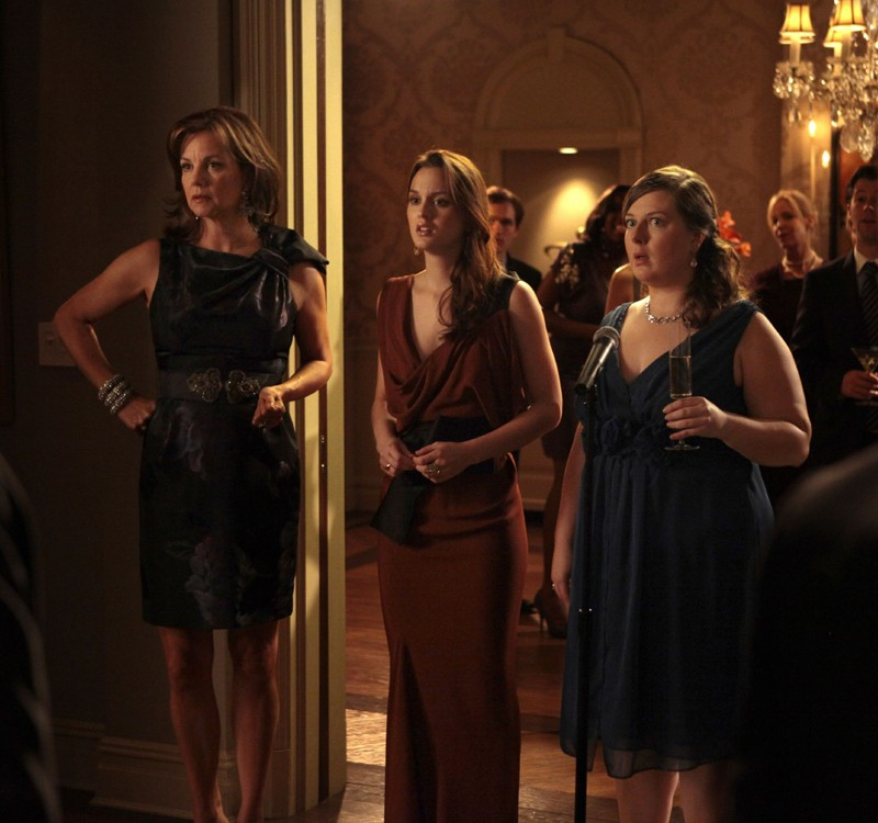 Margaret Colin, Leighton Meester e Zuzanna Szadkowski nell'episodio War at the Roses di Gossip Girl