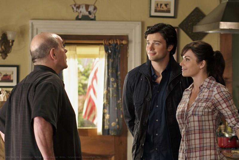 Michael Ironside, Tom Welling e Erica Durance nell'episodio Ambush di Smallville