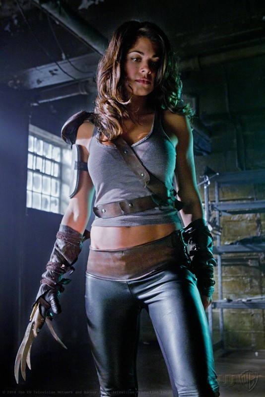Harriet (Lindsay Hartley) in una scena dell'episodio Abandoned di Smallville