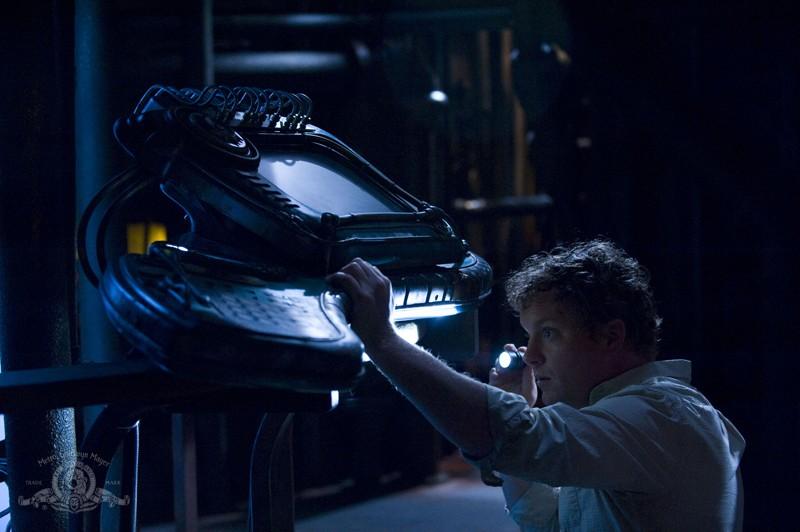Patrick Gilmore in una sequenza dell'episodio Awakenings di Stargate Universe